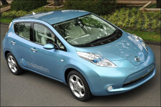 Nissan-Leaf_