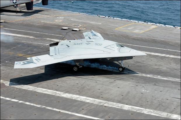 x-47b aterrizando el 07-2013
